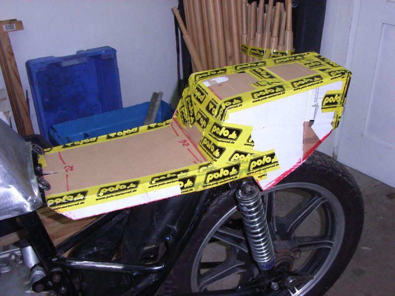 cafe racer heck selber bauen motorrad bild ideen. Black Bedroom Furniture Sets. Home Design Ideas